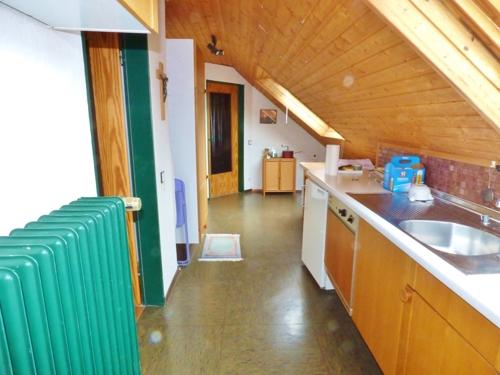Küche mit 2 Dachflächenfenstern