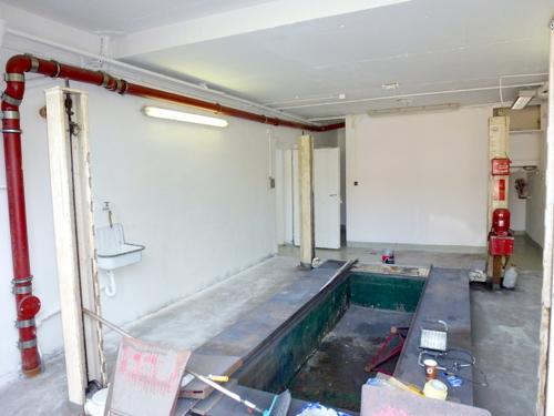 Garage mit Grube und Hebebühne