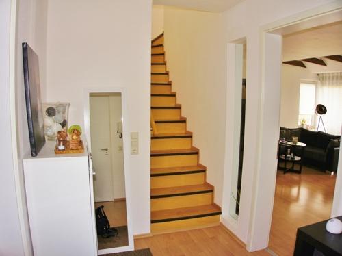 Treppenaufgang zum 2. SZ