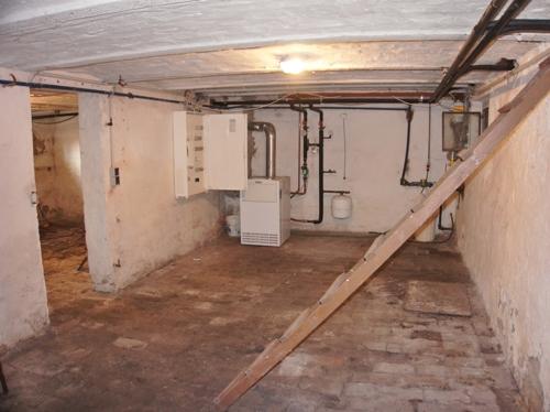 große Kellerräume
