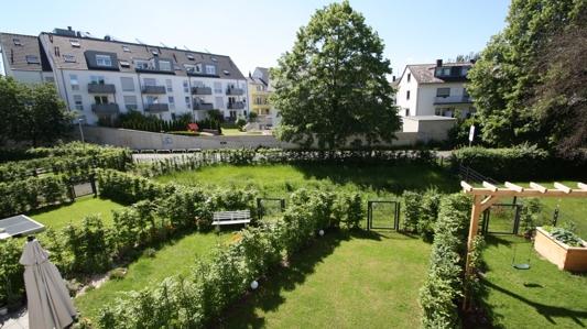 die gepflegten Gärten