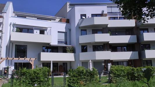 Rückansicht mit Blick auf Ihre Wohnung - mittig, 1. Etage