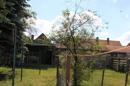 Blick zum Haus vom Garten aus