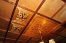 Holzdecke mit Intarsien