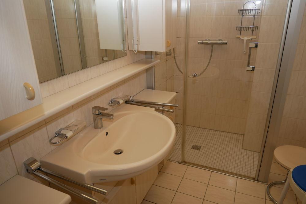 II Badezimmer