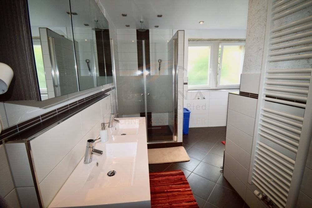 OG Badezimmer Ansicht 1