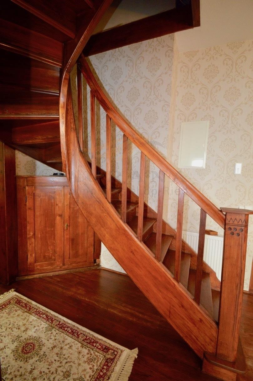 OG historischer Treppenaufgang ins DG