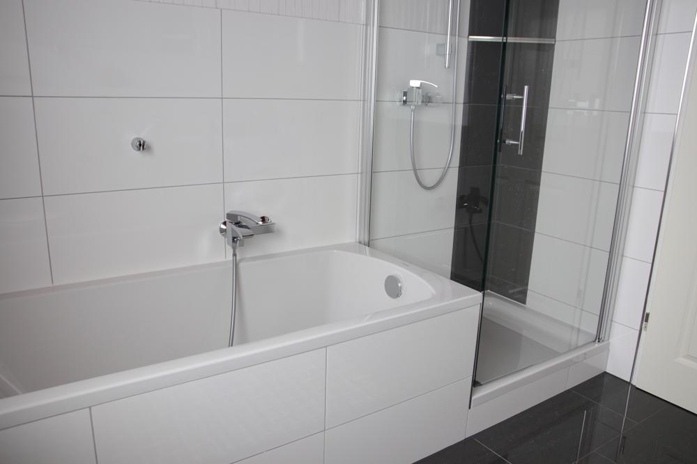 Dusche & Badewanne