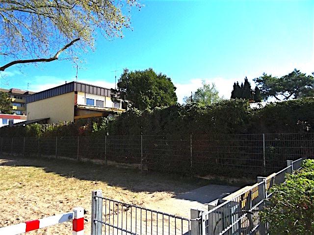 Haus Ansicht von Spielplatz