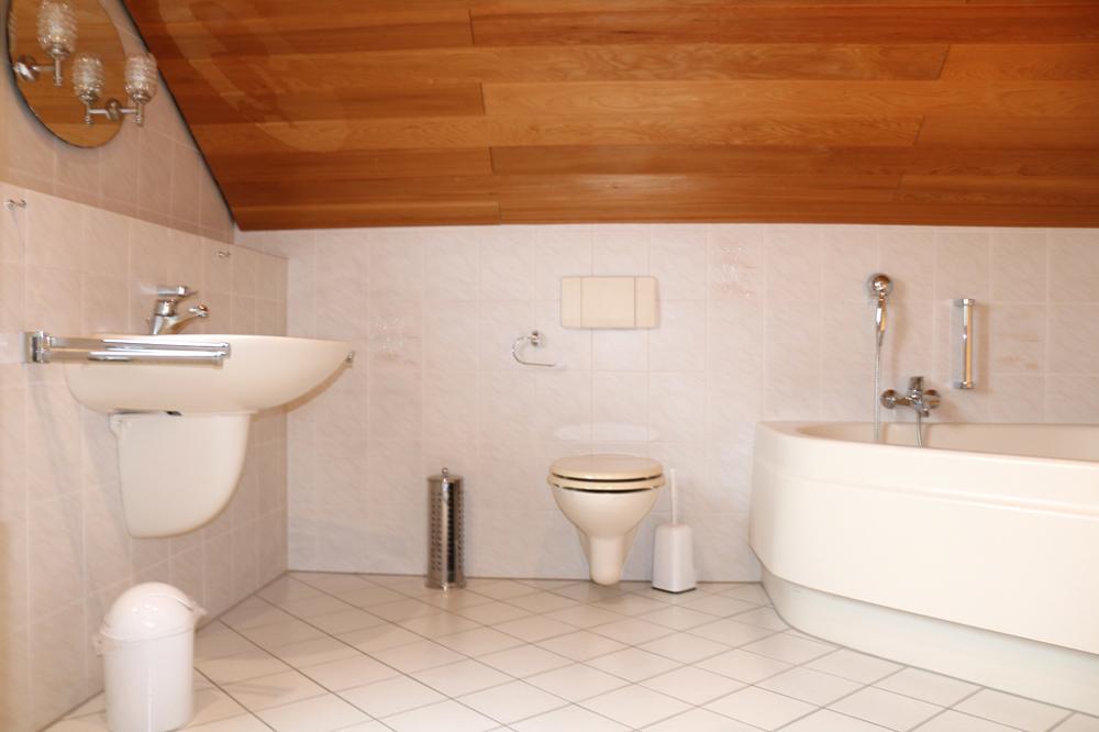 Bad im Obergeschoss 3