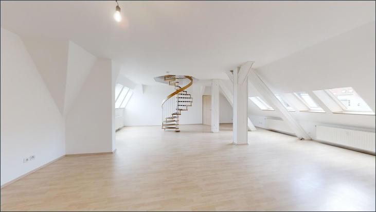 Riesiges Wohnzimmer mit vielen Möglichkeiten der Gestaltung