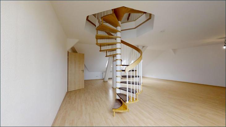 Wendeltreppe zum oberen Bereich der Wohnung