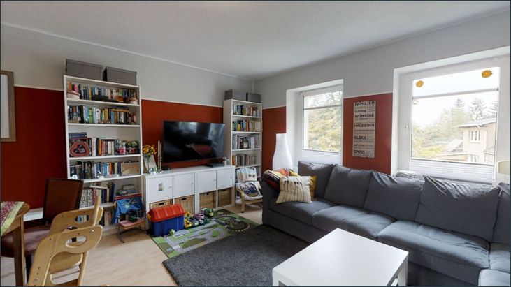 Wohnzimmer mit Essbereich (Wohnung 1.OG)