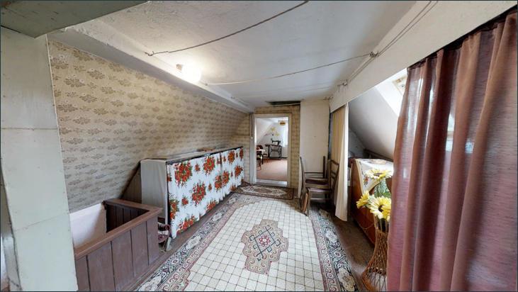 Althaus: Flur Dachgeschoss