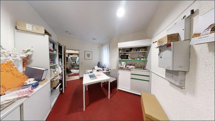 Büro Fotostudio mit Zugang zum Lager