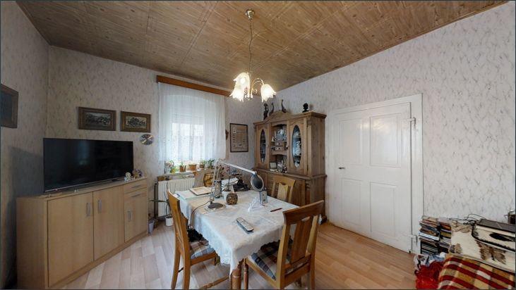 Zimmer hinter der Küche