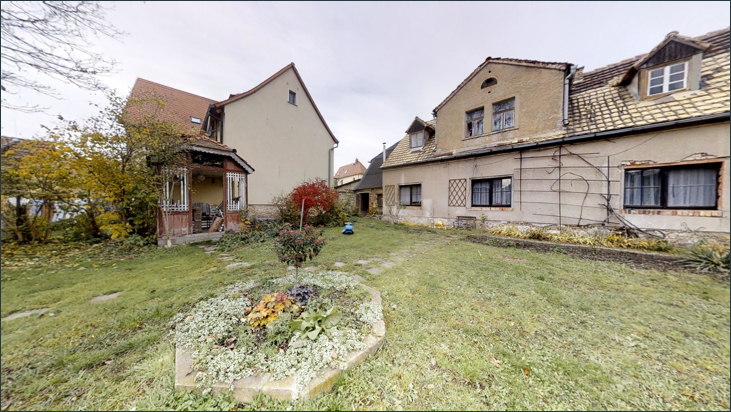 Garten mit Hinterhaus