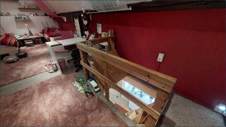 Kinderzimmer im ausgebauten Dachboden