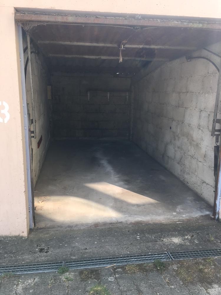 Garage (innen)