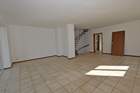 Wohn- und Esszimmer1