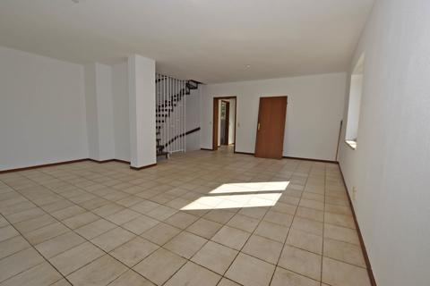 Wohn- und Esszimmer2