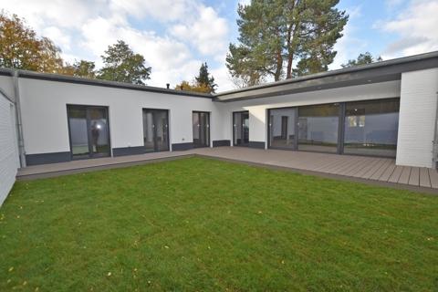 Terrasse mit Atriumgarten2