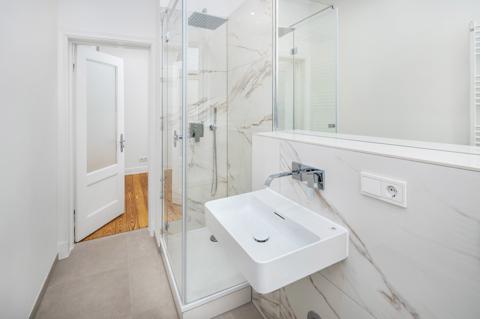 hochwertiges Badezimmer