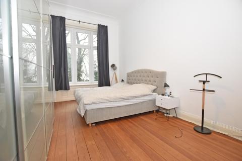 größeres Schlafzimmer