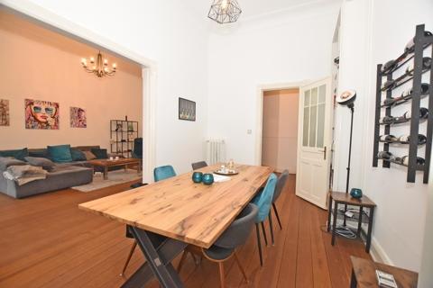 Esszimmer mit Wohnzimmer