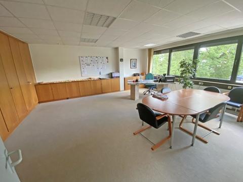 großes Büro Obergeschoss
