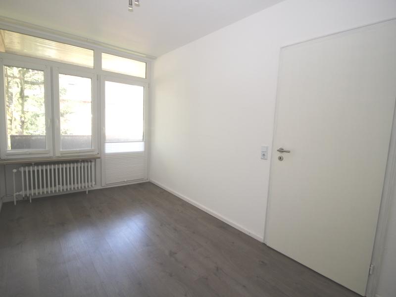 Zimmer im Obergeschoss mit Zugang zum West-Loggia