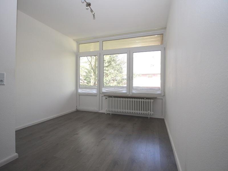 Weiteres Zimmer im Obergeschoss mit Zugang zum West-Loggia