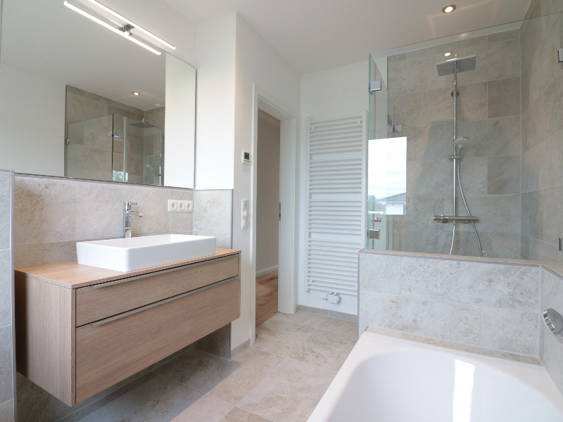 Separate Dusche