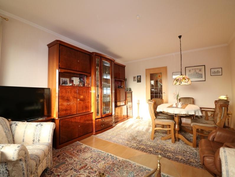 Helles, schönes Wohnzimmer