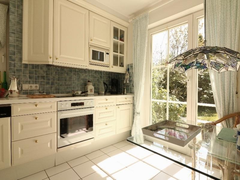 Einbauküche mit Terrassenzugang