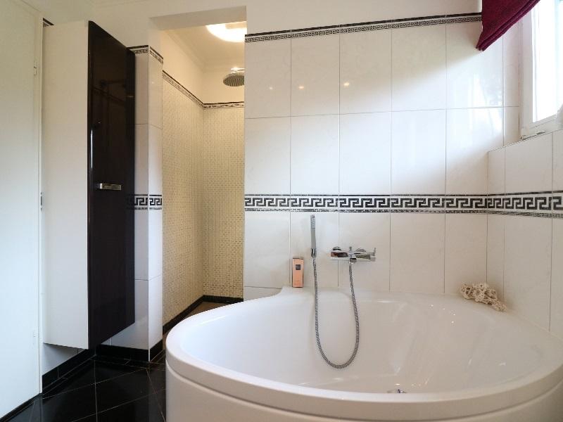 Separate bodengleiche Dusche