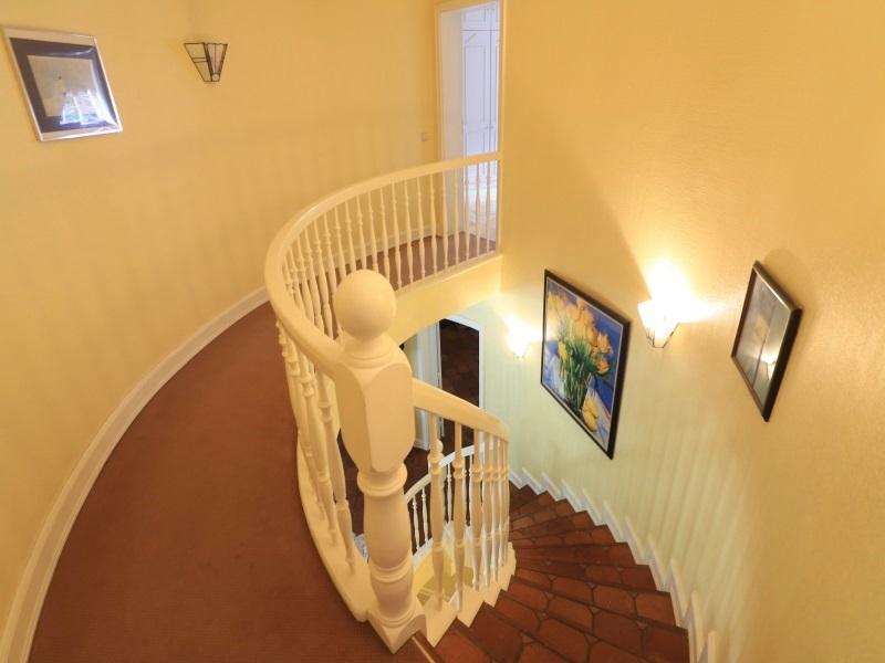Blick von der Galerie im Obergeschoss