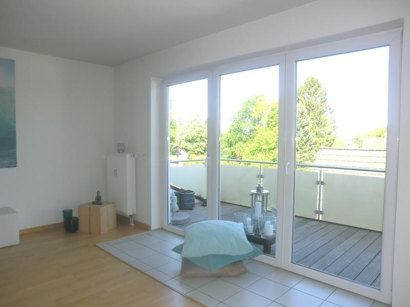 Wohn-/Essbereich mit Zugang zur Terrasse
