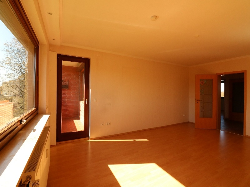 Wohnzimmer Zugang Balkon