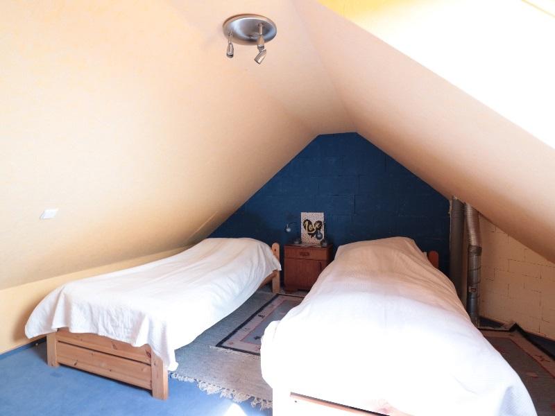 Wohnlich ausgebaute Nutzfläche im Dachboden