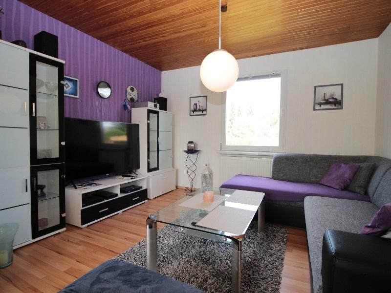 Wohnzimmer von sehr guter Größe