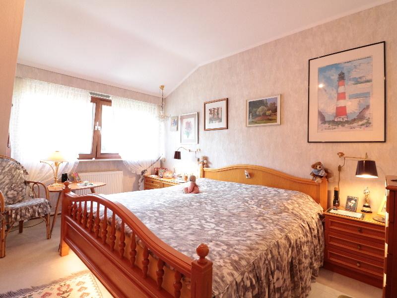 Schlafzimmer von sehr guter Größe
