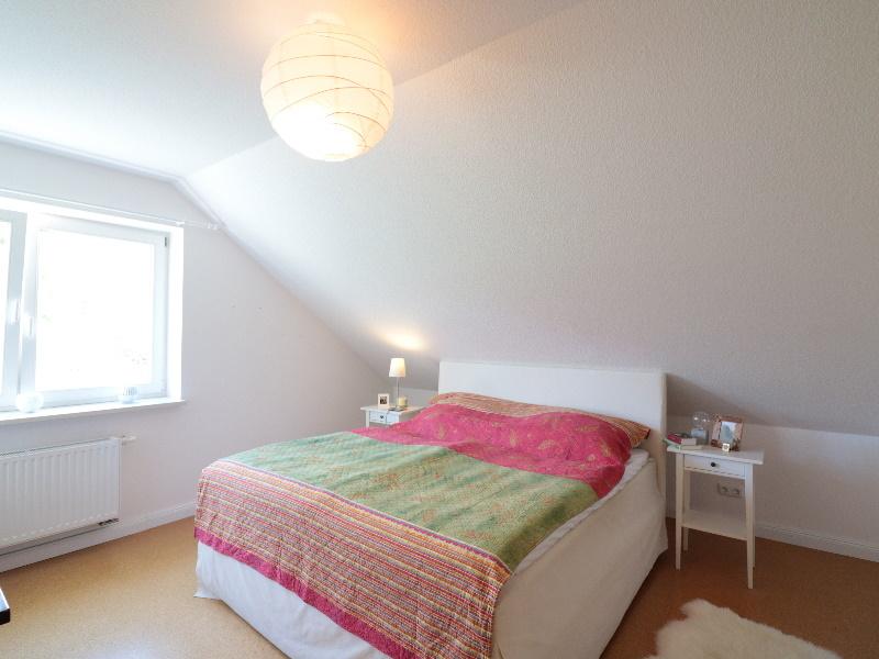 Sehr schönes und helles Schlafzimmer