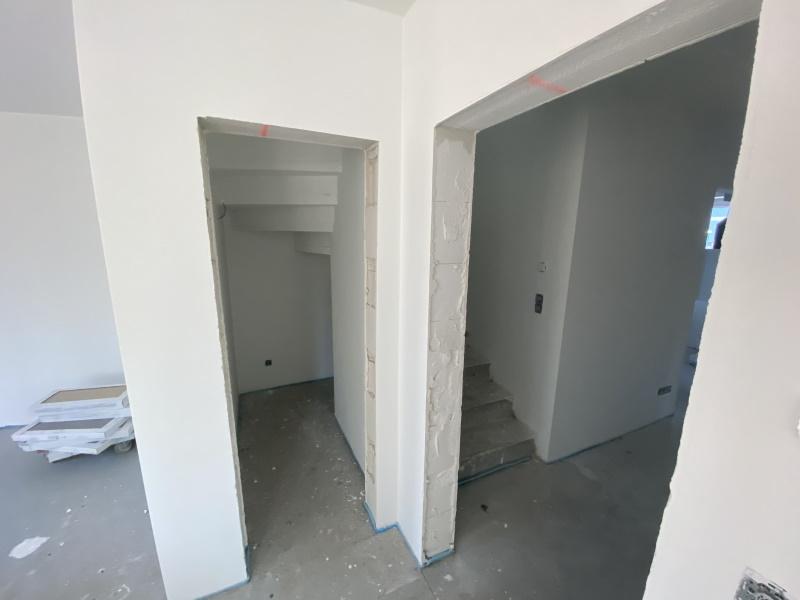 Abstellraum unter der Treppe