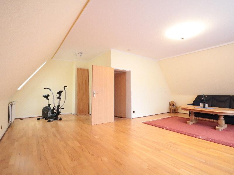 Weiteres großes Wohnzimmer