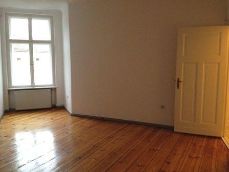 Berliner Zimmer Blick 2.png