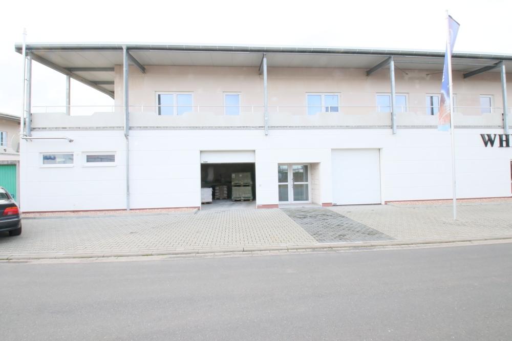 Eingang und Garage