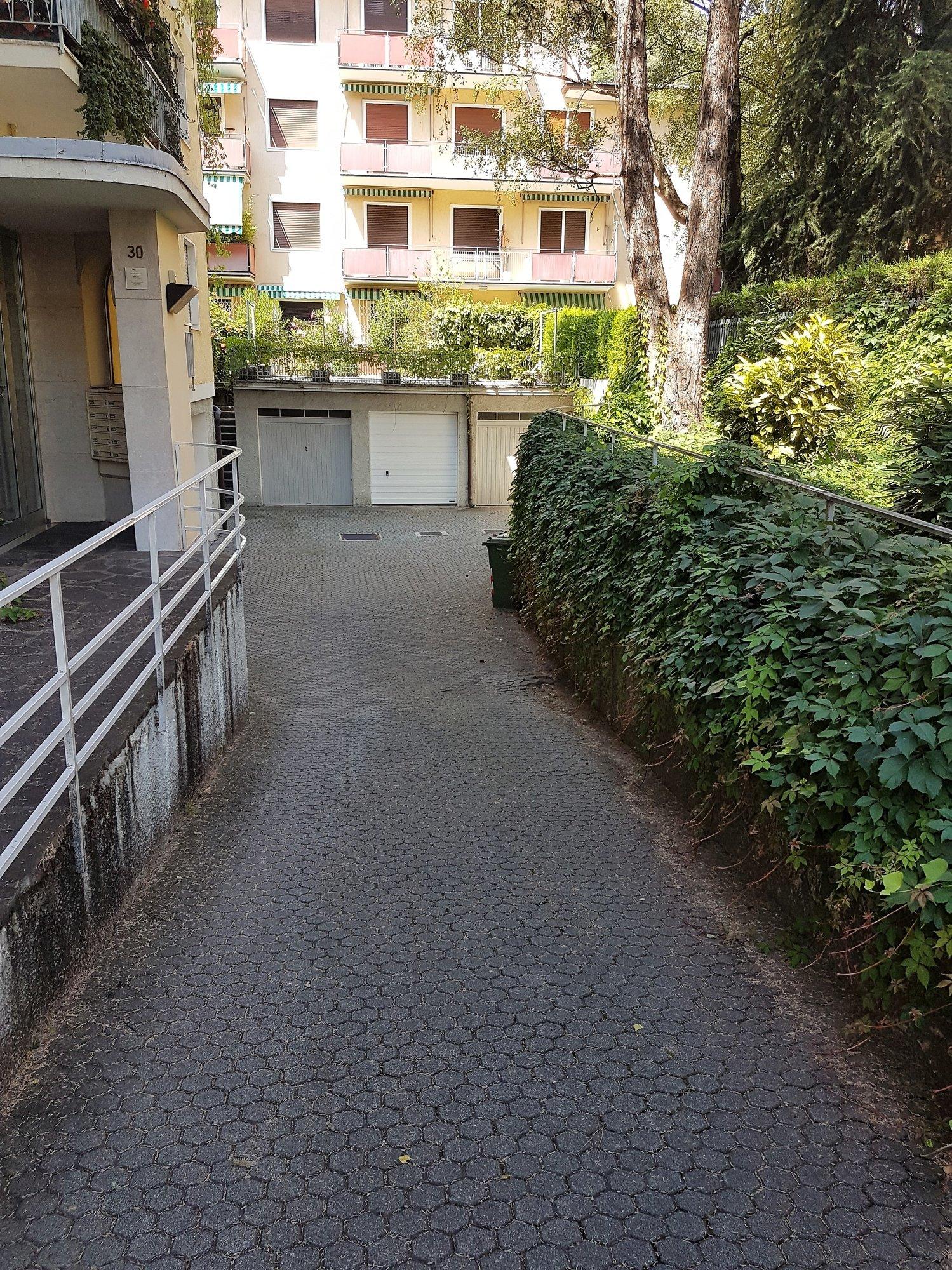 Zufahrt Garage