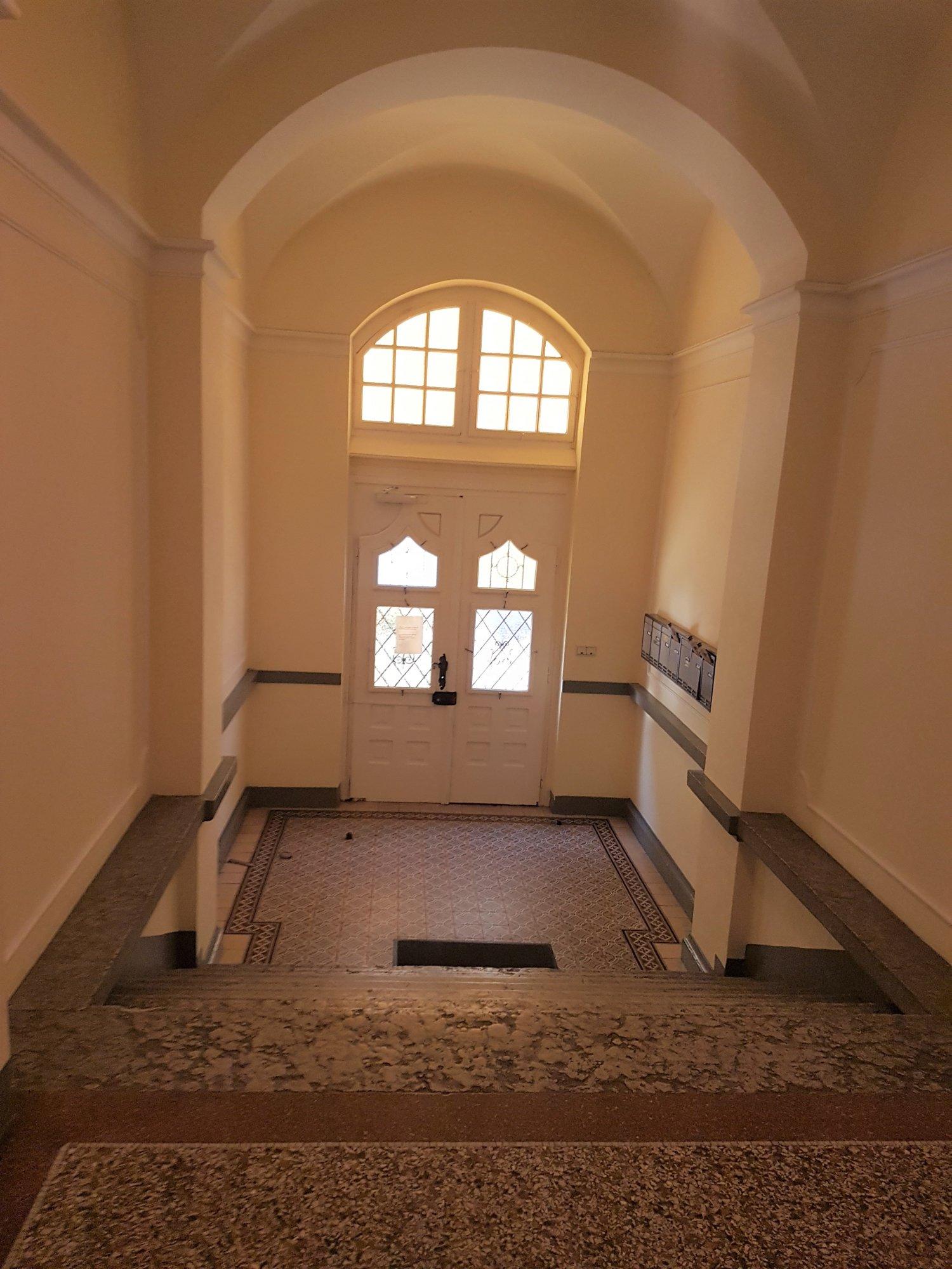 Eingang Gebäude_entrata edificio