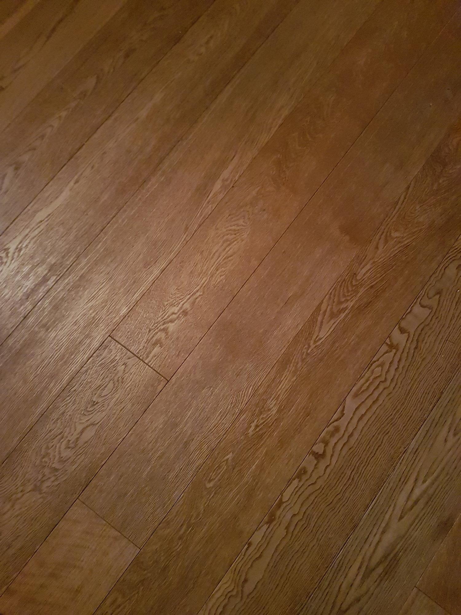 Gepflegter Boden_pavimento curato